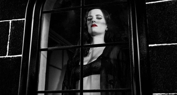 -379- Une femme à sa fenêtre.